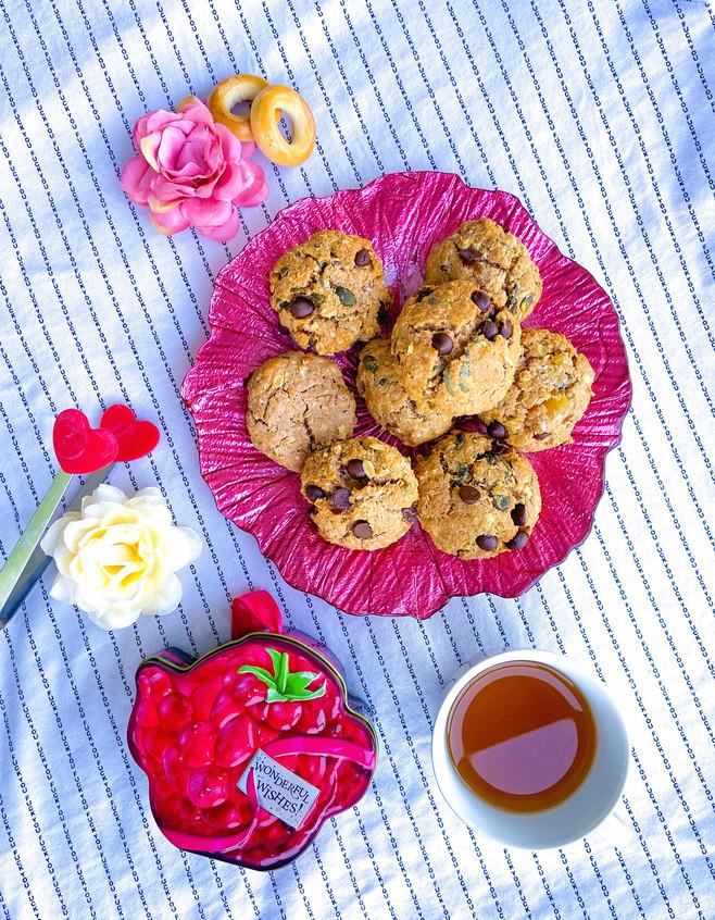 עוגיות פרוטאין גרנולה עם שוקולד צ׳יפס