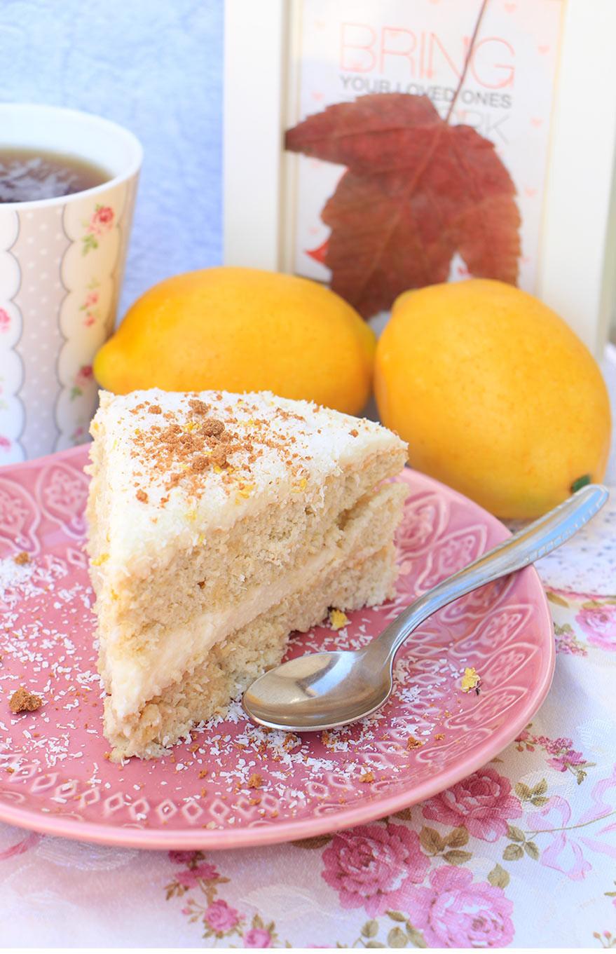 עוגה ללא גלוטן עם שווקלד לבן לפסח