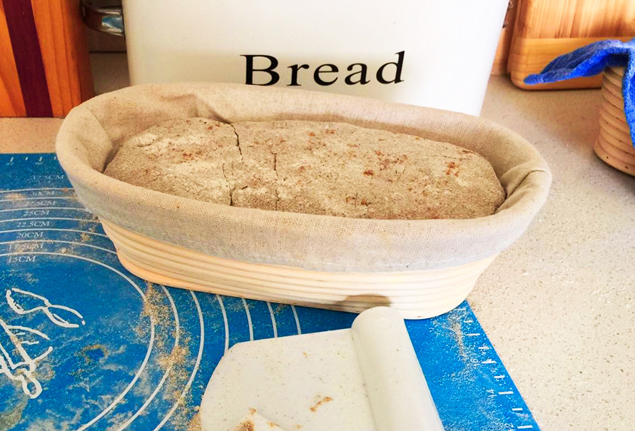 לחם על מחמצת שיפון