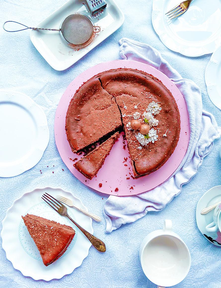 עוגת שוקולד נימוחה, קרמית טעימה לשבועות, גם ללא סוכר,