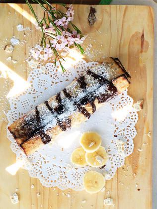 בלינצ׳ס מצה מגולגלת עם מסקרפונה ושוקולד