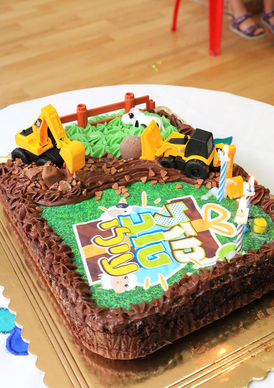 עוגת שוקולד ליוםהולדת בגן