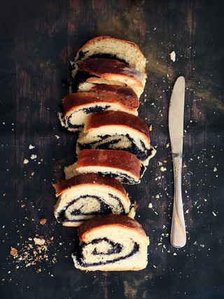 עוגת שמרים פרג הונגרית מקמח כוסמין
