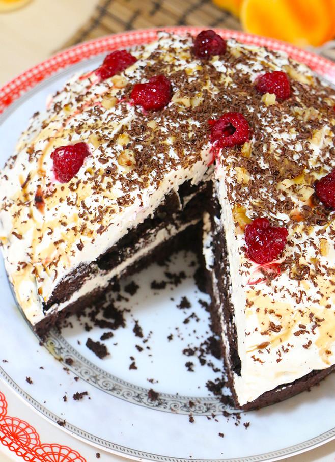 עוגת שוקולד גרמנית (יום הולדת) ללא גלוטן עם קרם חלב מרוכז