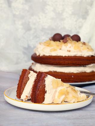 עוגת תבלינים ספוגית מקמח שקדים
