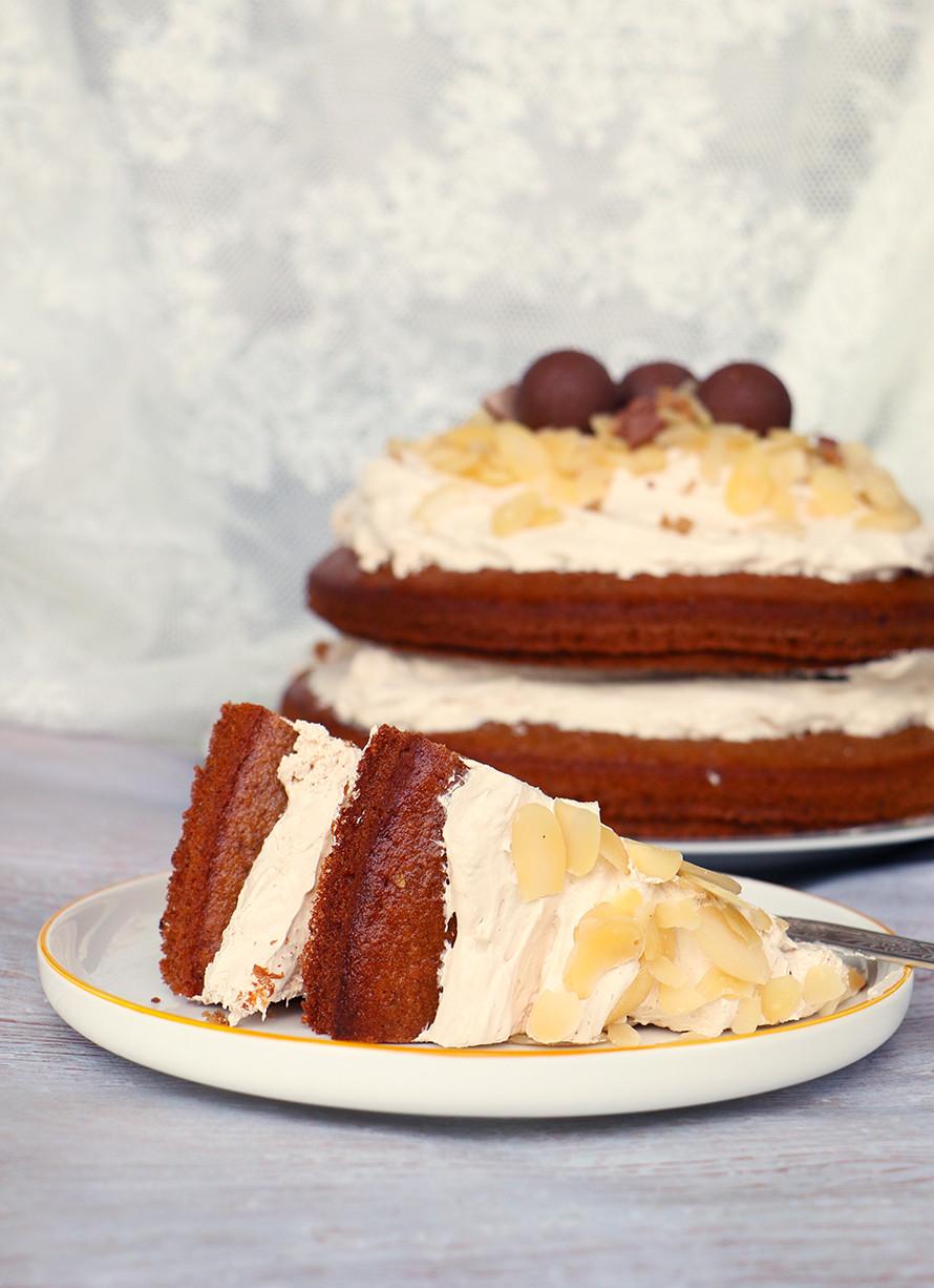 עוגת שקדים ותבלינים בריאה