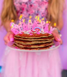 עוגת פנקייק יוגורט ושיבולת שועל ענקית