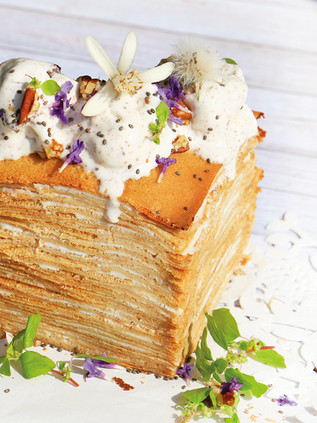 עוגת בלינצ׳ס קמח מלא עם ריקוטה ושוקולד לבן