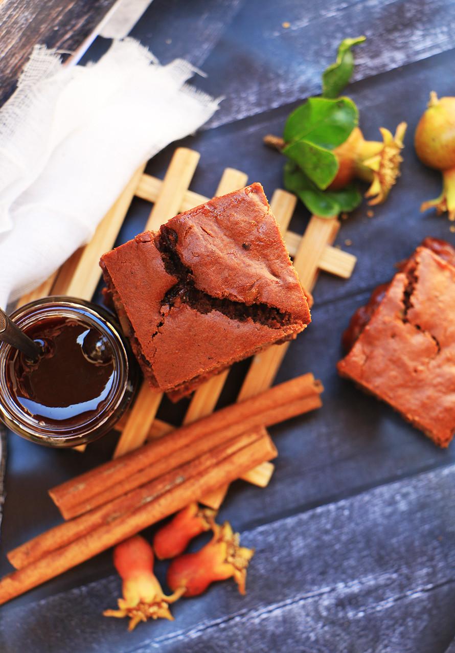 עוגת דבש וריבת שזיפים לראש השנה