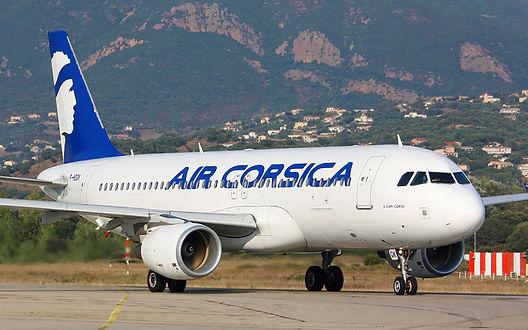 Ankunft in Korsika mit dem Flugzeug