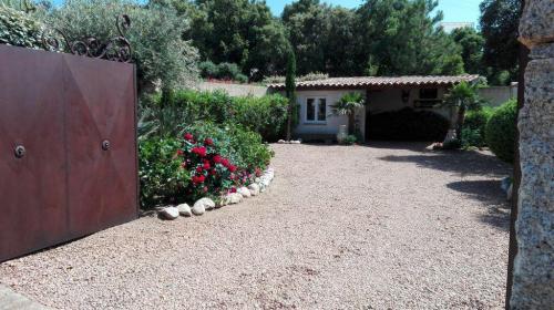 Fewo Korsika  mieten, Pool, Garten