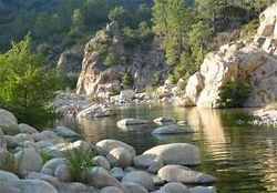 Wasserbecken Süd Korsika