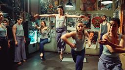 Tanzkompanie Tangente, ganz rechts Choreografin Bahar Meric (Leif in Concert - Vol.2) © Mike Auerbach / Lischke&Klandt Filmproduktion