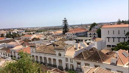 Découvrez la ville de Tavira à moins de 5 km de la Casa Estrelita, villa à louer au Portugal