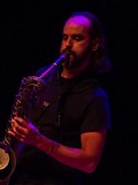 Steve B black stage w horn_edited.jpg