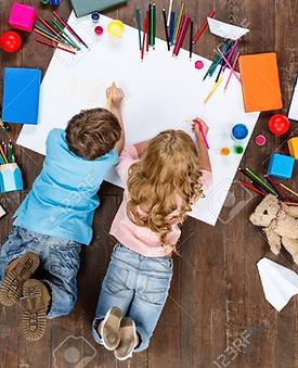 55490938-enfants-heureux-top-view-photo-