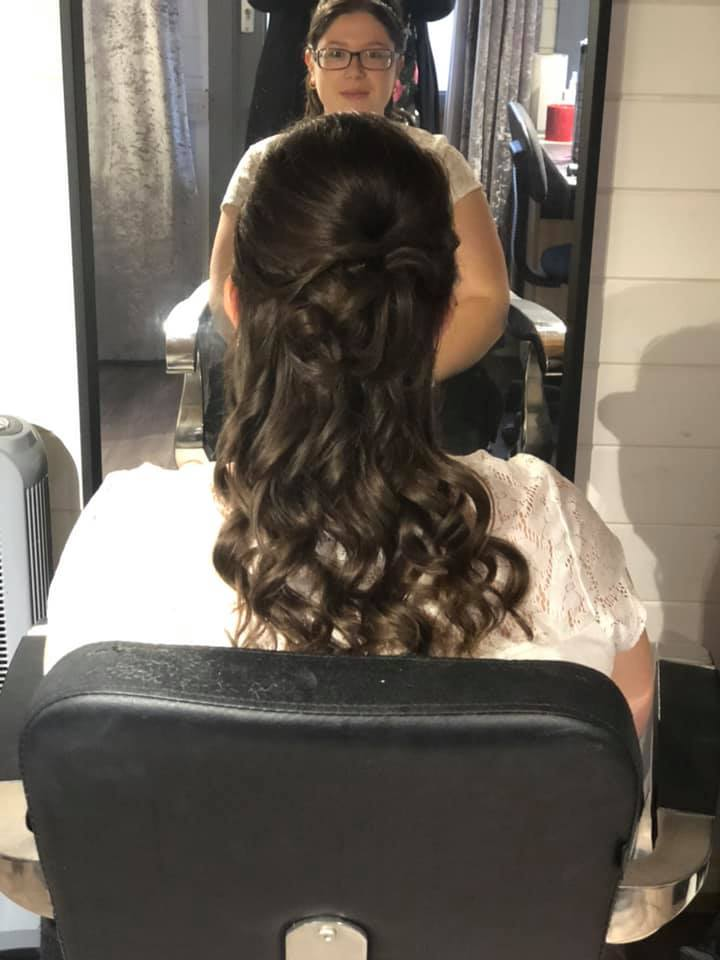 Pretty half-up half-down wedding hair in