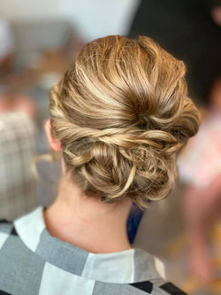 Beautiful relaxed bride updo