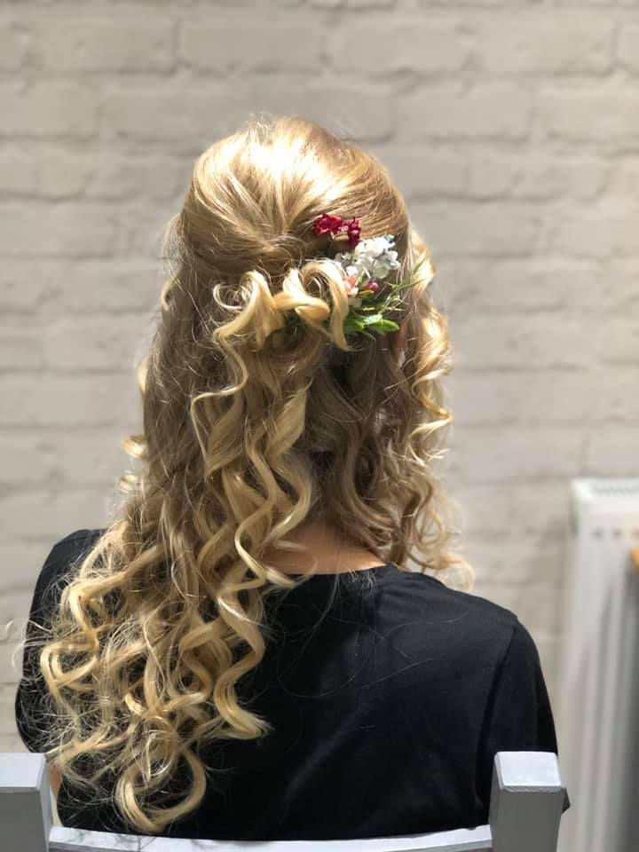 bridesmaid half up half down hair w