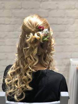 bridesmaid half up half down hair w
