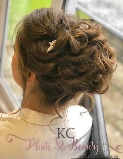 beautiful loose large curly bridal bun i