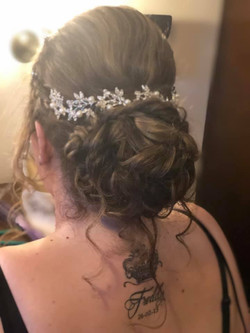 full and textured wedding hair