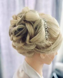 Gorgeous Volumous Bridal Bun