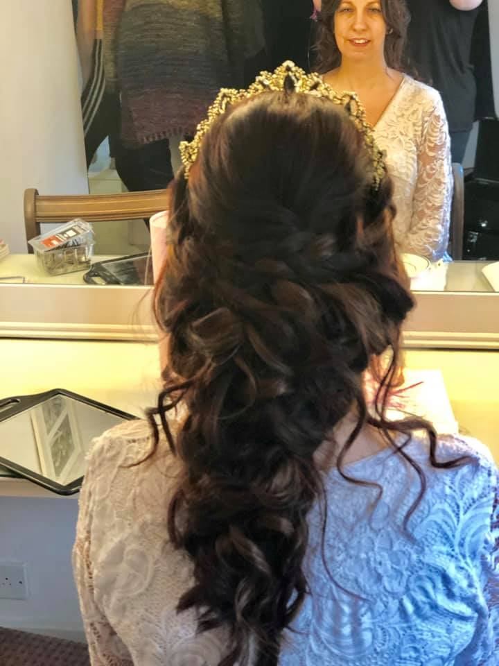 Beautiful full bridal hairstyle
