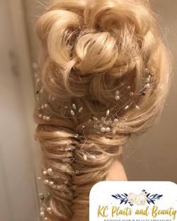 pretty wedding hair in Essex