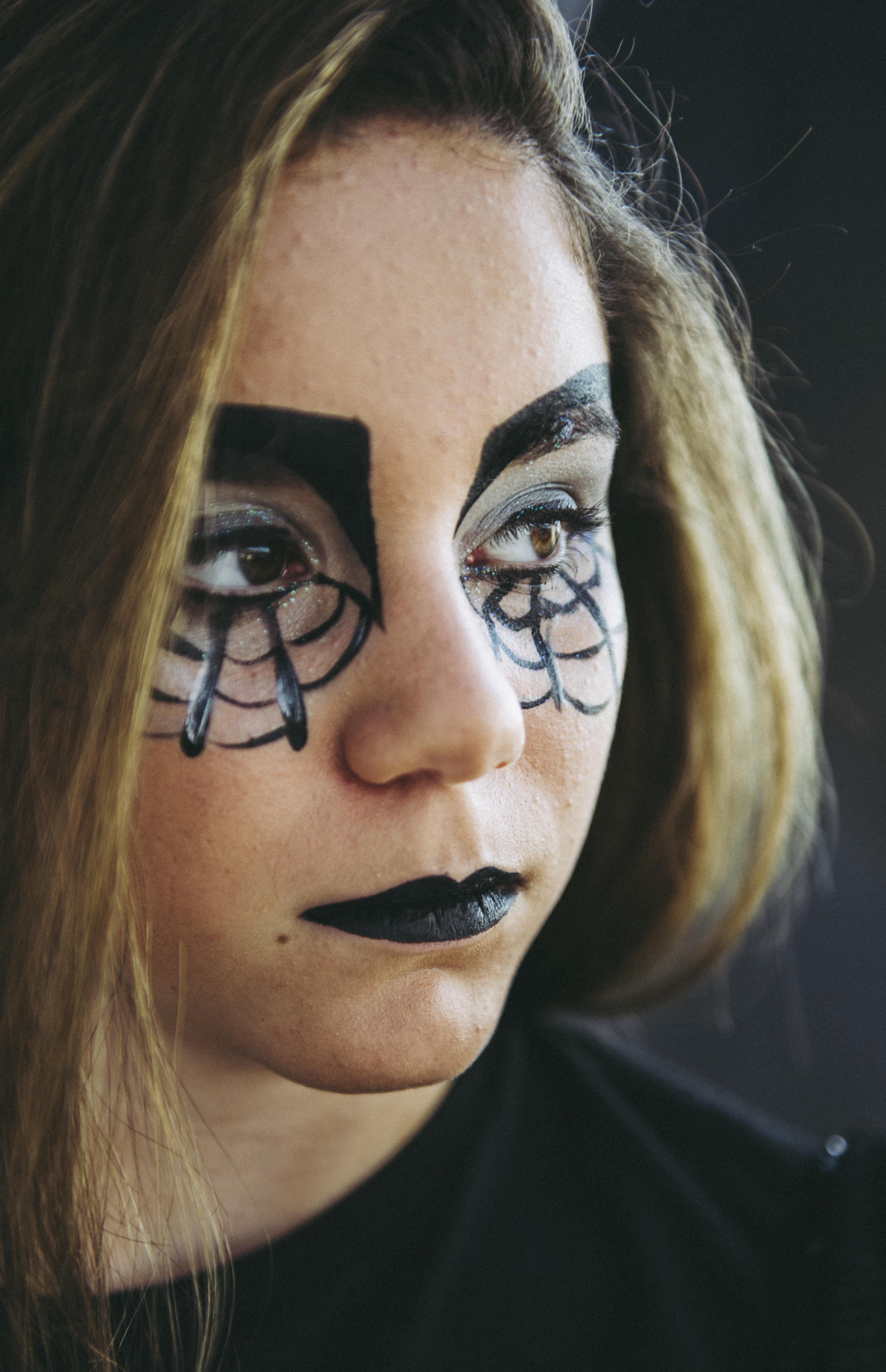 אשת עכביש