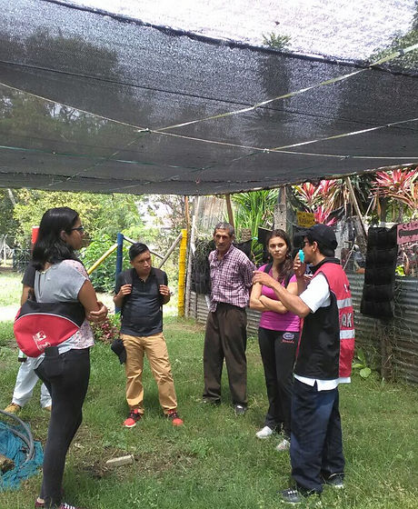 Academic crew visits community garden in the Aguablanca District, Cali-Colombia