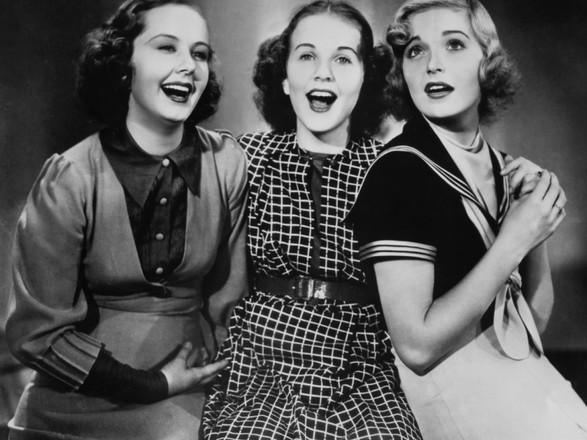 Three Smart Girls.jpg