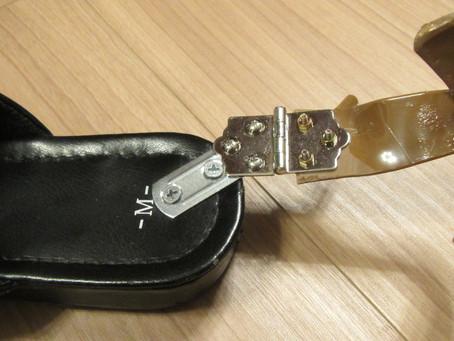 踵開く靴の蝶番の工夫《手楽靴(てらくくつ)開発日誌3》