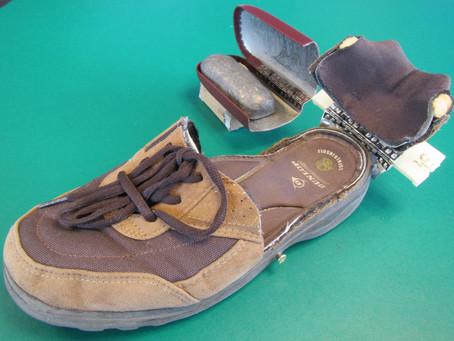 眼鏡ケースの動きを利用《手楽靴(てらくくつ)開発日誌5》