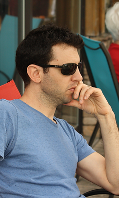 Avner_Wallach_photo.png
