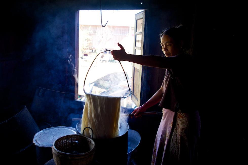 Laquerware maker