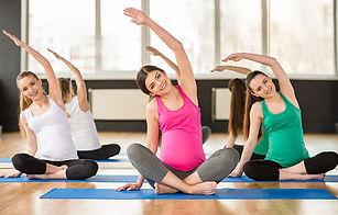 pregnant-women-in-yoga-class.jpg