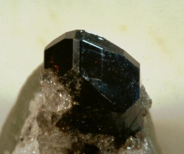 rhodonit-laach-091c.jpg
