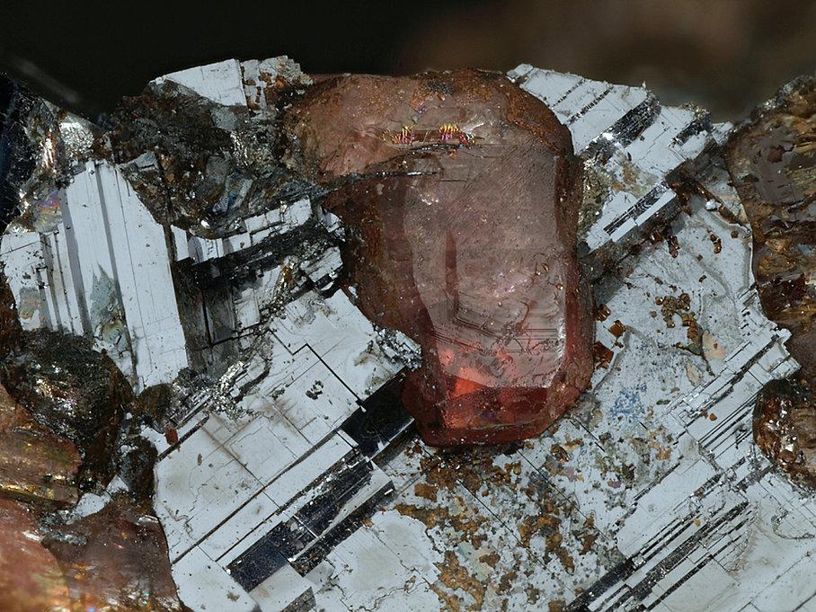 97 Ferrorhodonit Broken Hill BB 4,5mm.jp