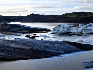 Svinafelljokull iceberg lagoon