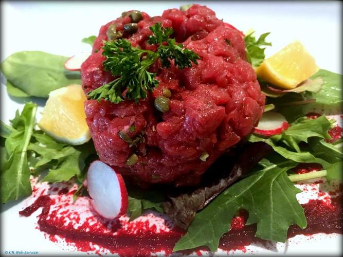 Steak-Tartara-Le-Sorelle-restaurant-the-
