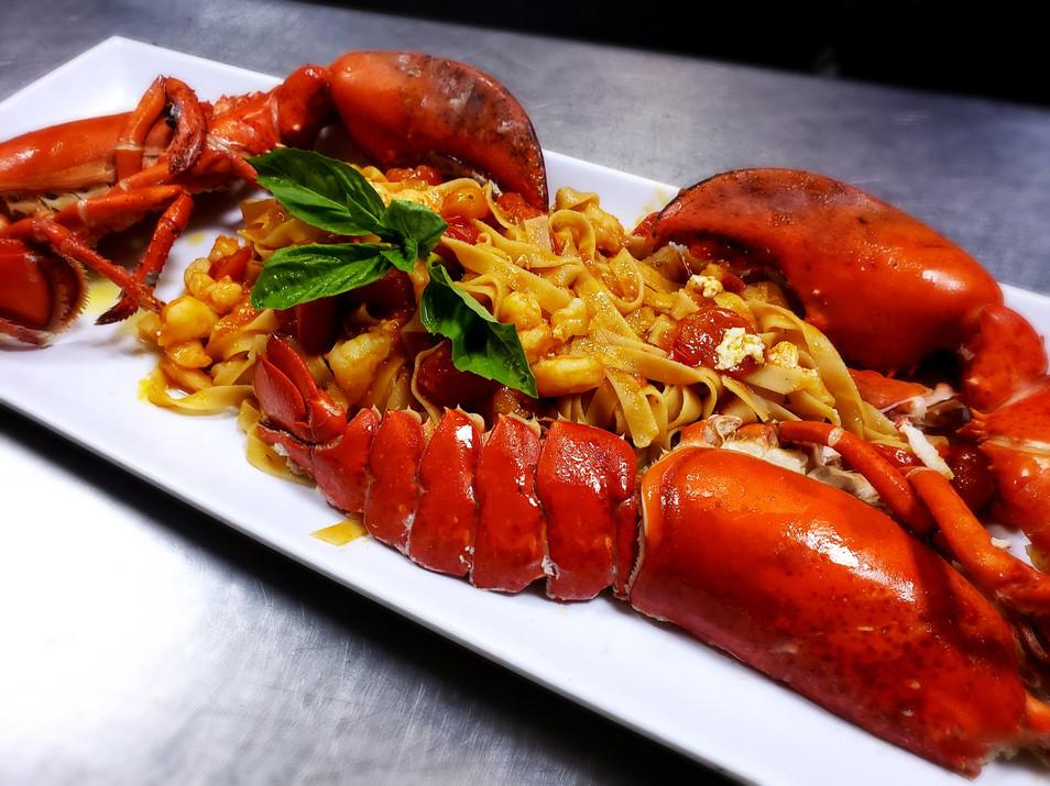 lobster-fettuccine-le-sorelle-restaurant