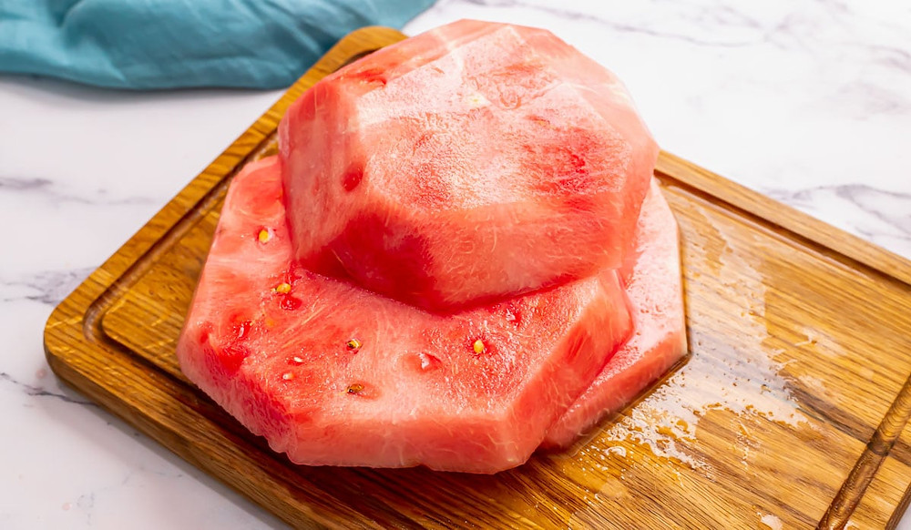 picking-choosing-perfect-watermelon-vatsanas-seasoning-cutting-slicing