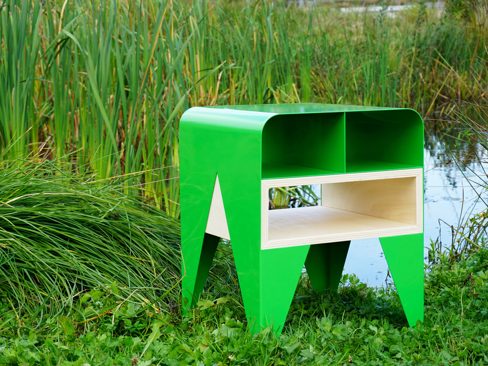 Frog Night table_Side table_Image 01