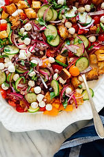 layered-panzanella-salad-recipe-3-768x1155.jpg