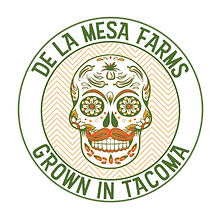De La Mesa Farms Primary Logo.png