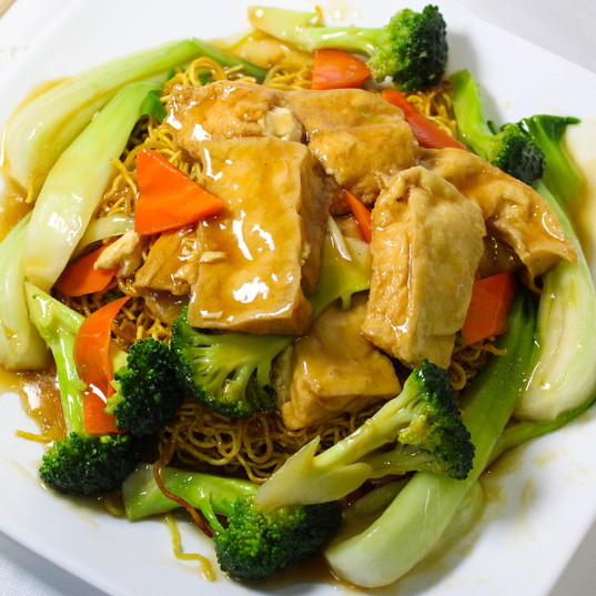 Tofu Mixed Vegetables Fried Noodle
