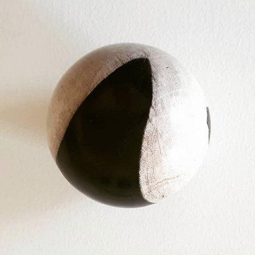 Petrified wood ball deco