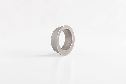 Conic : Ring