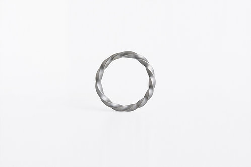Twisted : Ring